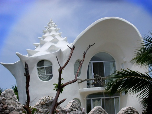 conch-shell-house-isla-mujeres-mexico